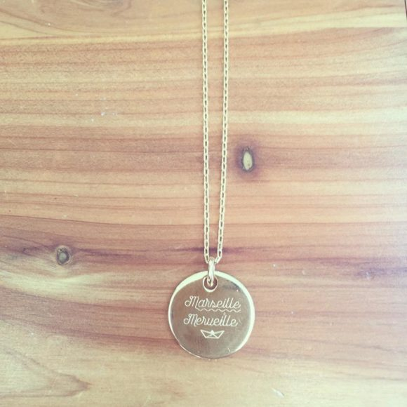 pendentif-plaque-or-marseille-merveille